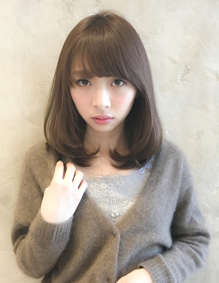 小顔◎内巻きヘアの大人ベージュカラー(SE224)