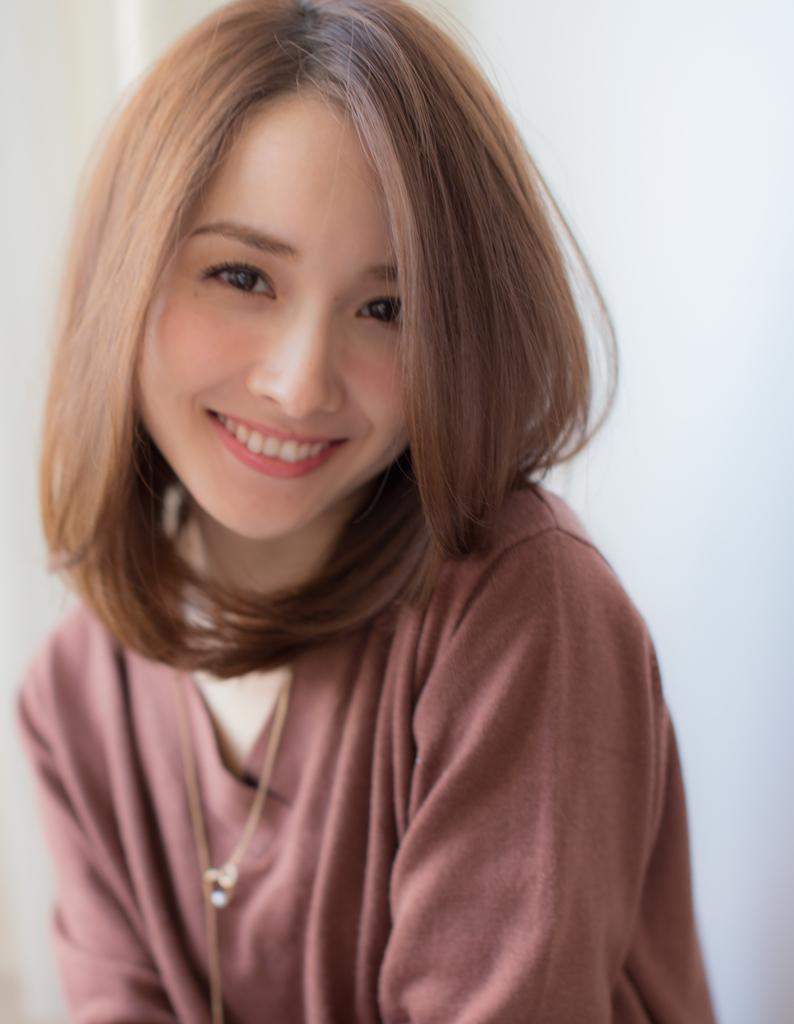 【violet】前髪が長めなミディアムレイヤー